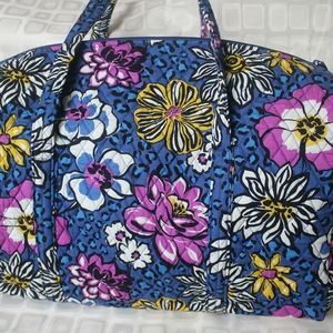 New with tag Large Vera Bradley Duffel bag